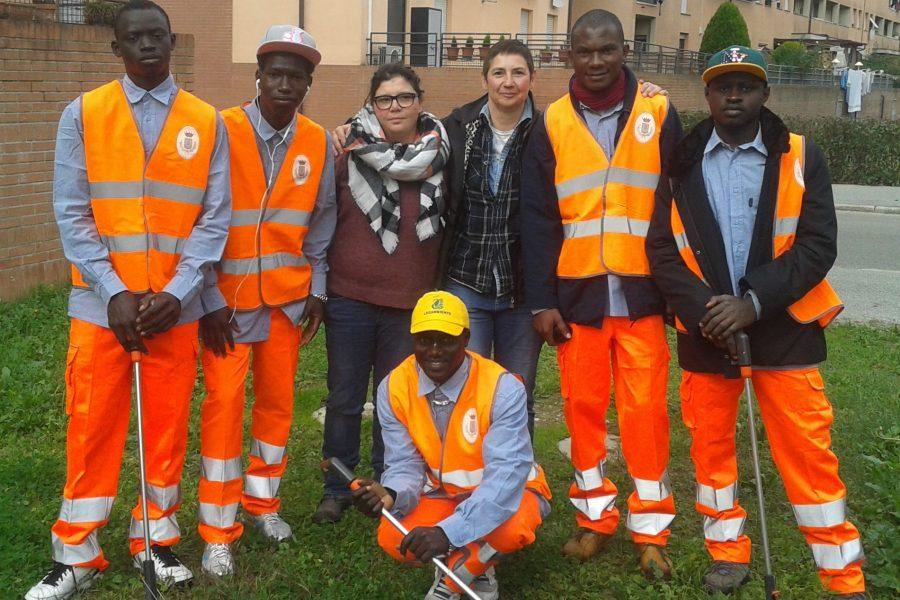 Accoglienza da una parte, lavoro volontario dall'altra: a San Giovanni un esempio di integrazione