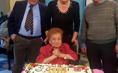 Villa Fiorita, festa per i 100 anni di Annamaria