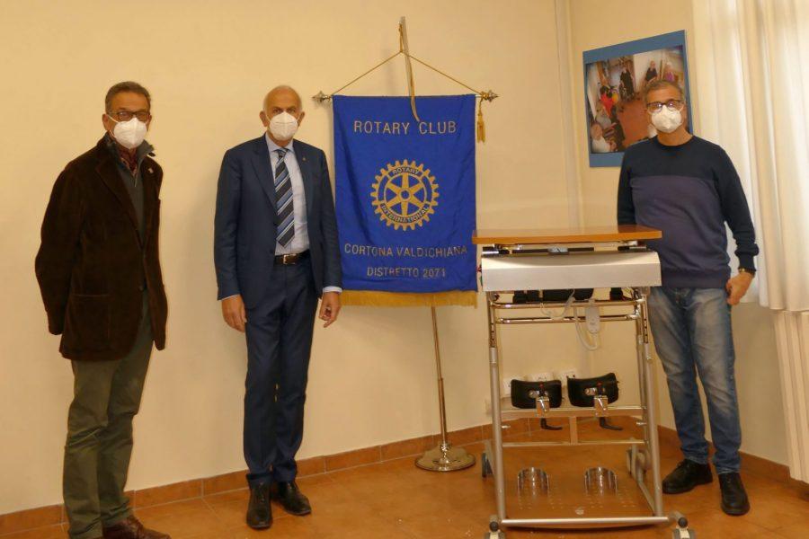 """Il Rotary Club Cortona Valdichiana """"rimette in piedi"""" la solidarietà"""